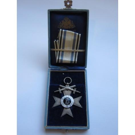 Cruz bávara del Mérito Militar (2ª Clase)