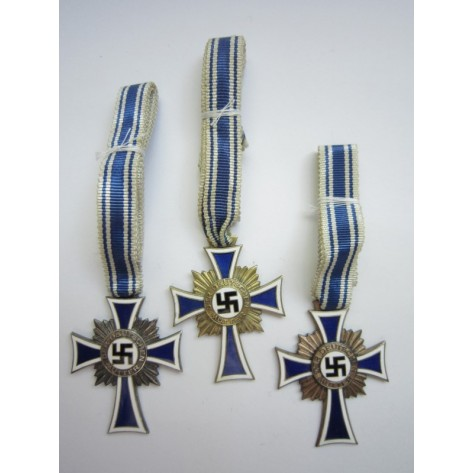 Grouping of Three grades of Mother´s Crosses
