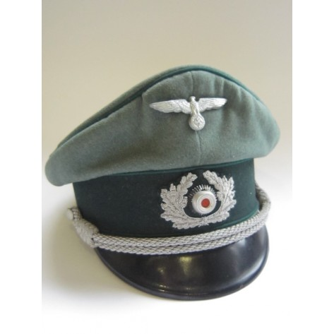 Wehrmacht Administrative (Schirmmütze) Officers visor cap.