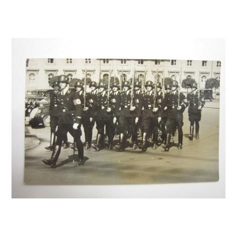 Allgemeines SS desfilando (Munich)