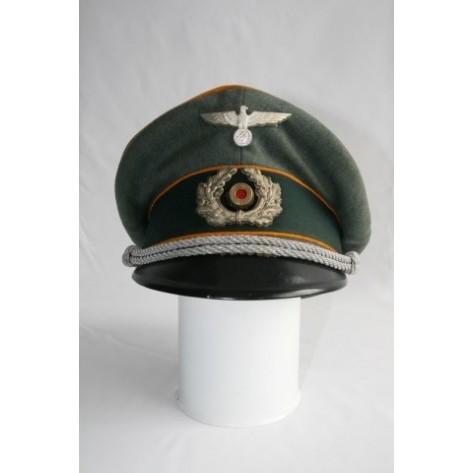 Cavalry Officer's Visor Cap.